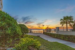 1396 Sunset View Ln. Jacksonville, Florida 32207