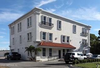 2050 S Kings S Cir. Neptune Beach, Florida 32266