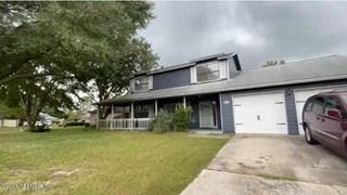 8258 Hamden E Cir. Jacksonville, Florida 32244