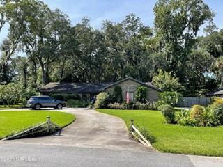 2276 Fallen Tree W Dr. Jacksonville, Florida 32246