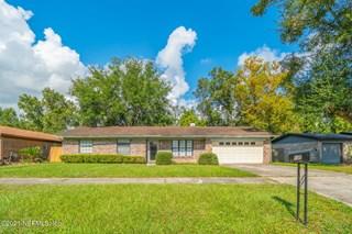 4840 Lofty Pines W Cir. Jacksonville, Florida 32210