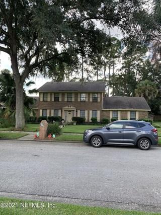 5466 Pearwood Dr. Jacksonville, Florida 32277
