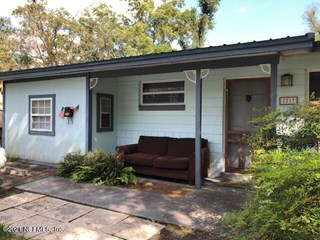 2217 Betsy Dr. Jacksonville, Florida 32210